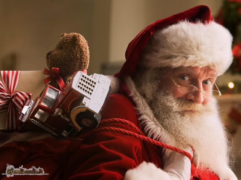 Babbo Natale X Desktop.Sfondilandia It Sfondo Gratis Di Babbo Natale Per Desktop