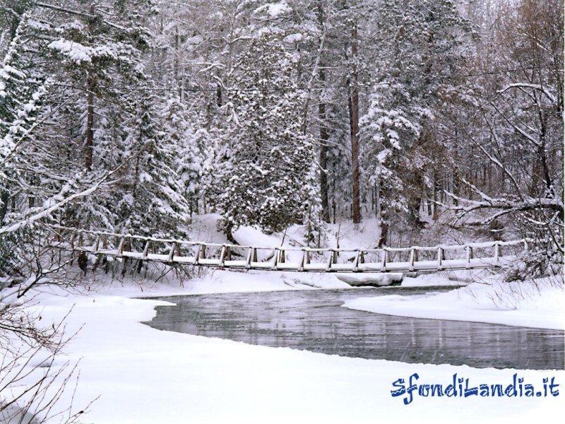 Sfondo gratis di neve per desktop for Foto paesaggi gratis