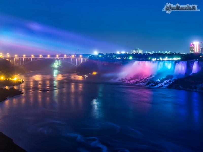 Niagara By Night