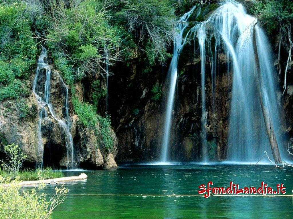 Sfondo cascata sul lago gratis a 1024x768 per il desktop for Sfondilandia mare