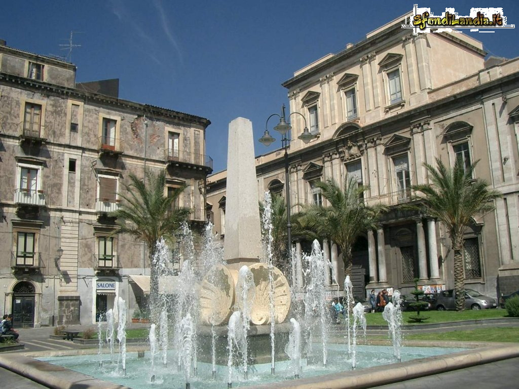 Sfondo gratis di fontana a catania per for Sfondilandia mare