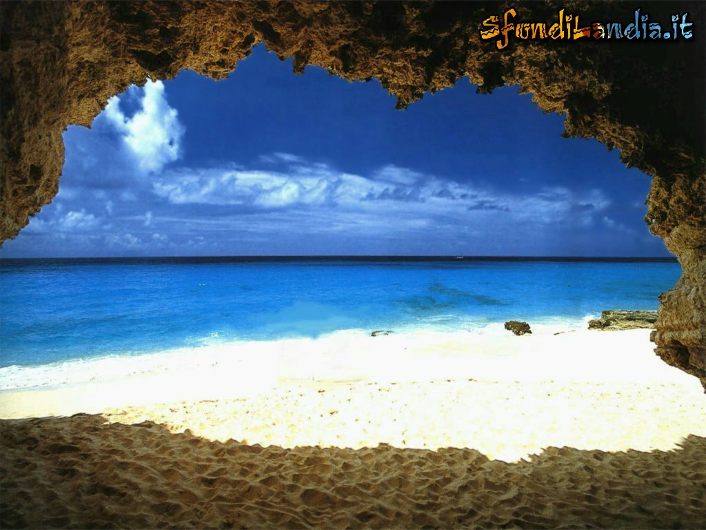 sfondo grotta a mare gratis a 1024x768 per il desktop del