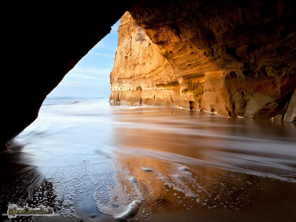 Sfondo gratis di san gregorio cave per for Sfondilandia mare