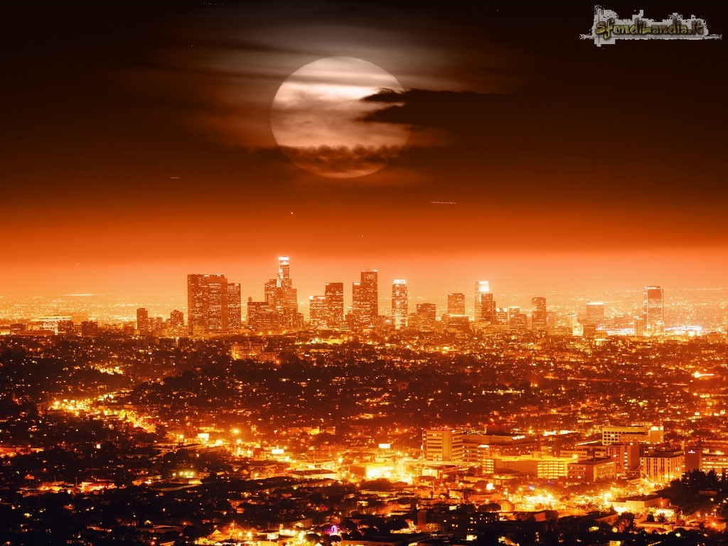 Sfondilandiait Sfondo Gratis Di Los Angeles By Night Per Desktop