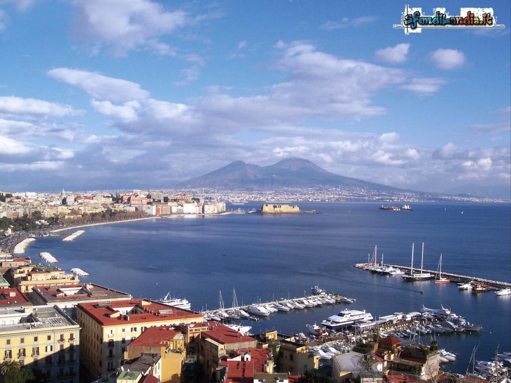 Sfondilandiait Sfondo Gratis Di Napoli Golfo Per Desktop