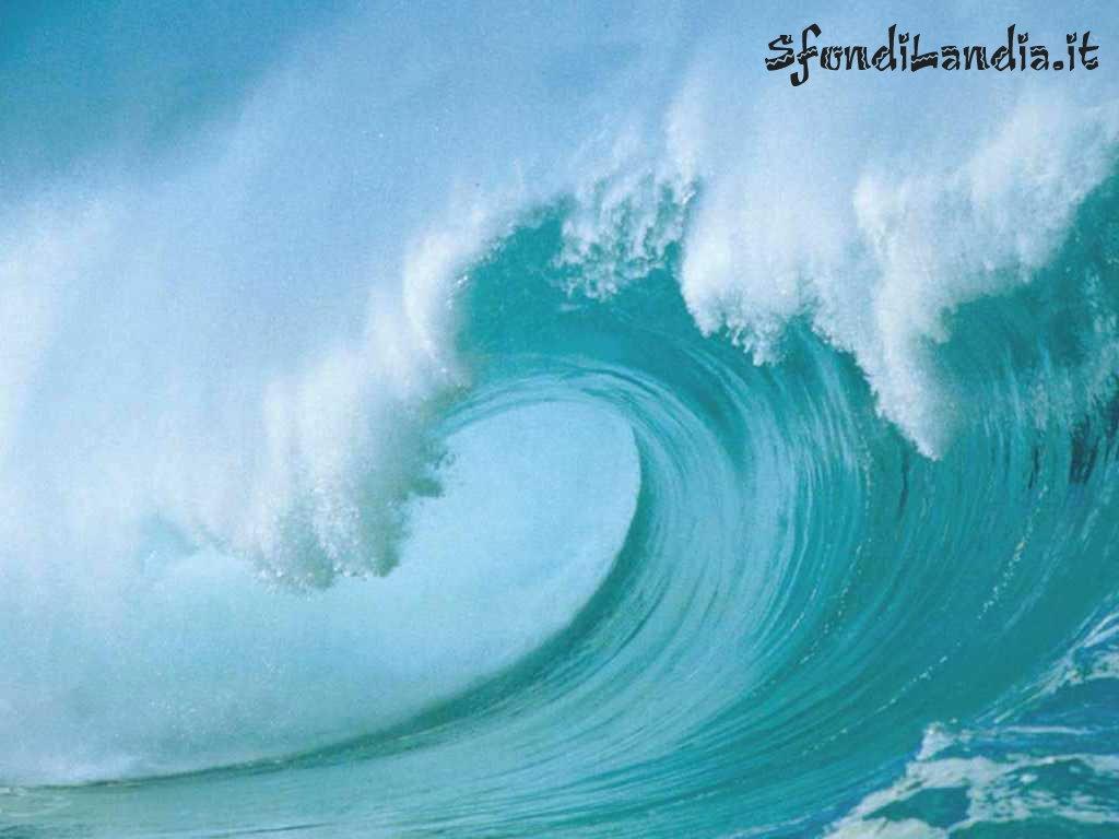 L onda che travolge tipenso for Sfondilandia mare