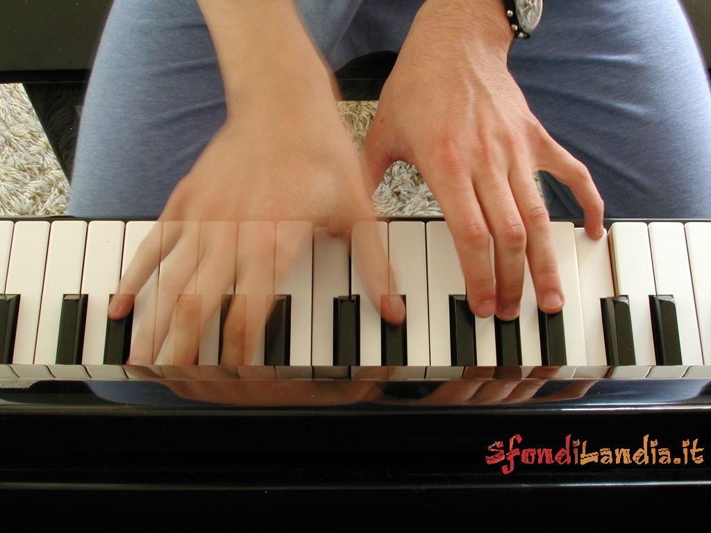 Playng Piano