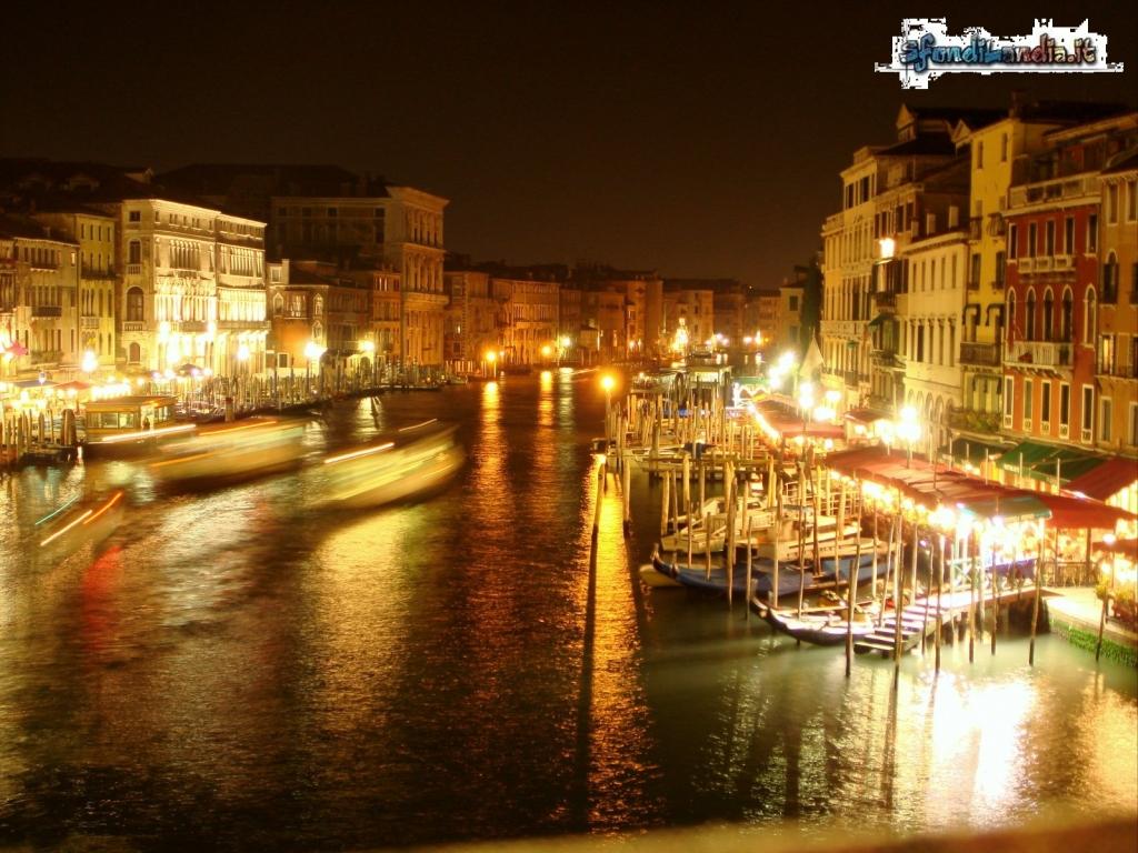 Venezia in notturna