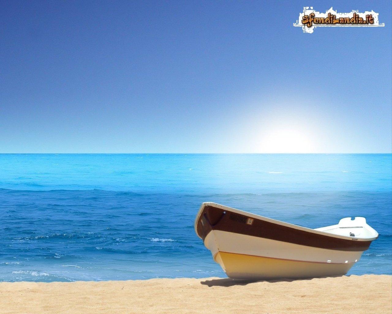 Sfondo gratis di barca sulla riva per for Sfondilandia mare