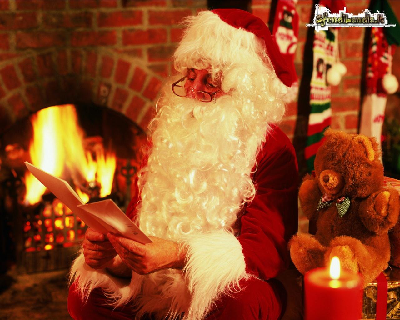 Babbo Natale X Desktop.Sfondilandia It Sfondo Gratis Di Caro Babbo Natale Per