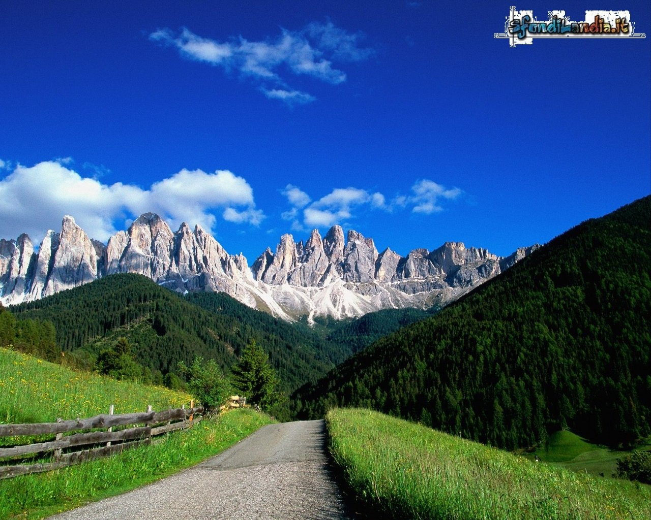 Sfondo gratis di dolomiti per desktop for Sfondi pc estate