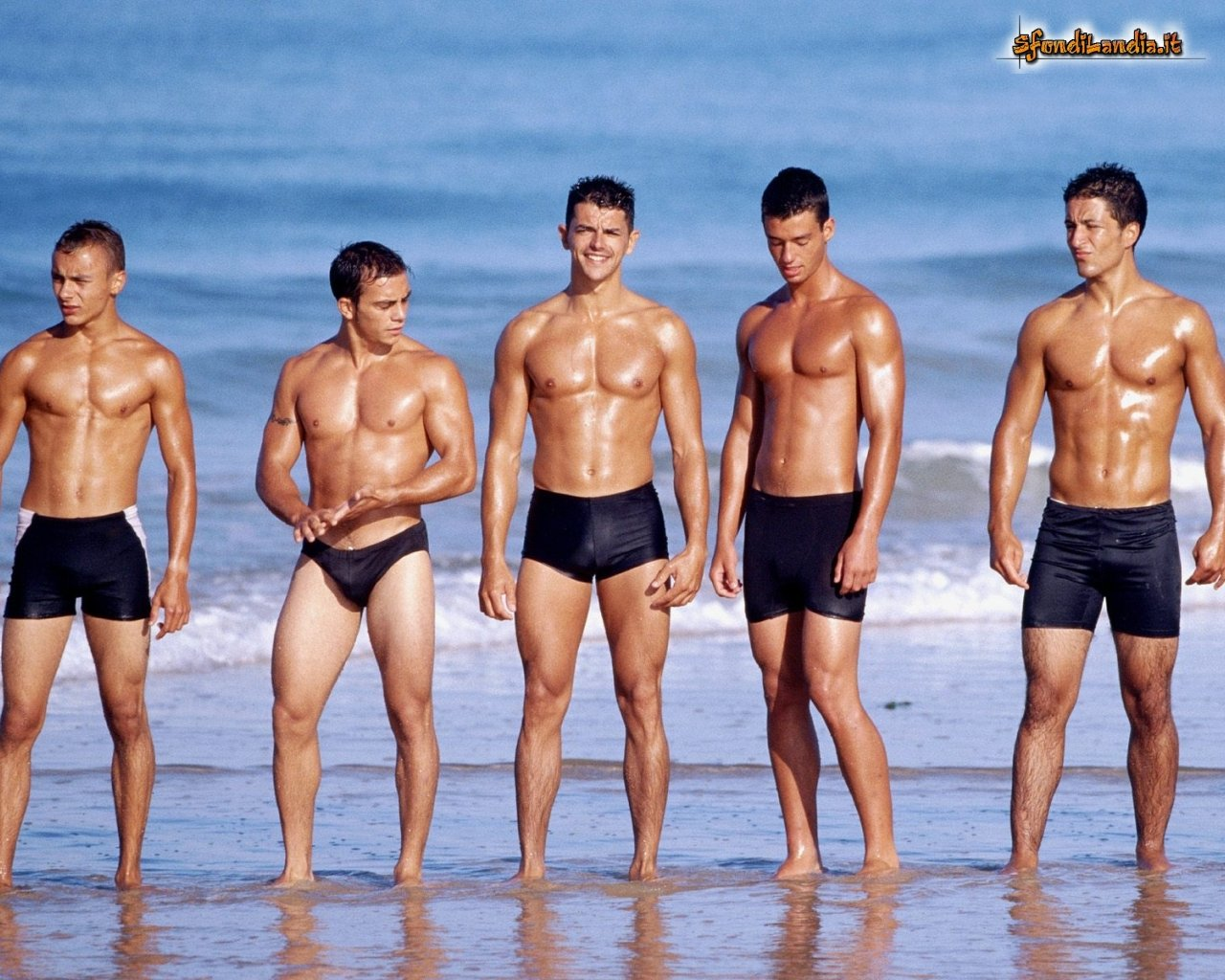 Sfondilandiait Sfondo Gratis Di Summer Boys Per Desktop