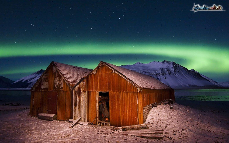 Sfondo aurora boreale gratis a 1440x900 per il desktop del for Aurora boreale sfondo
