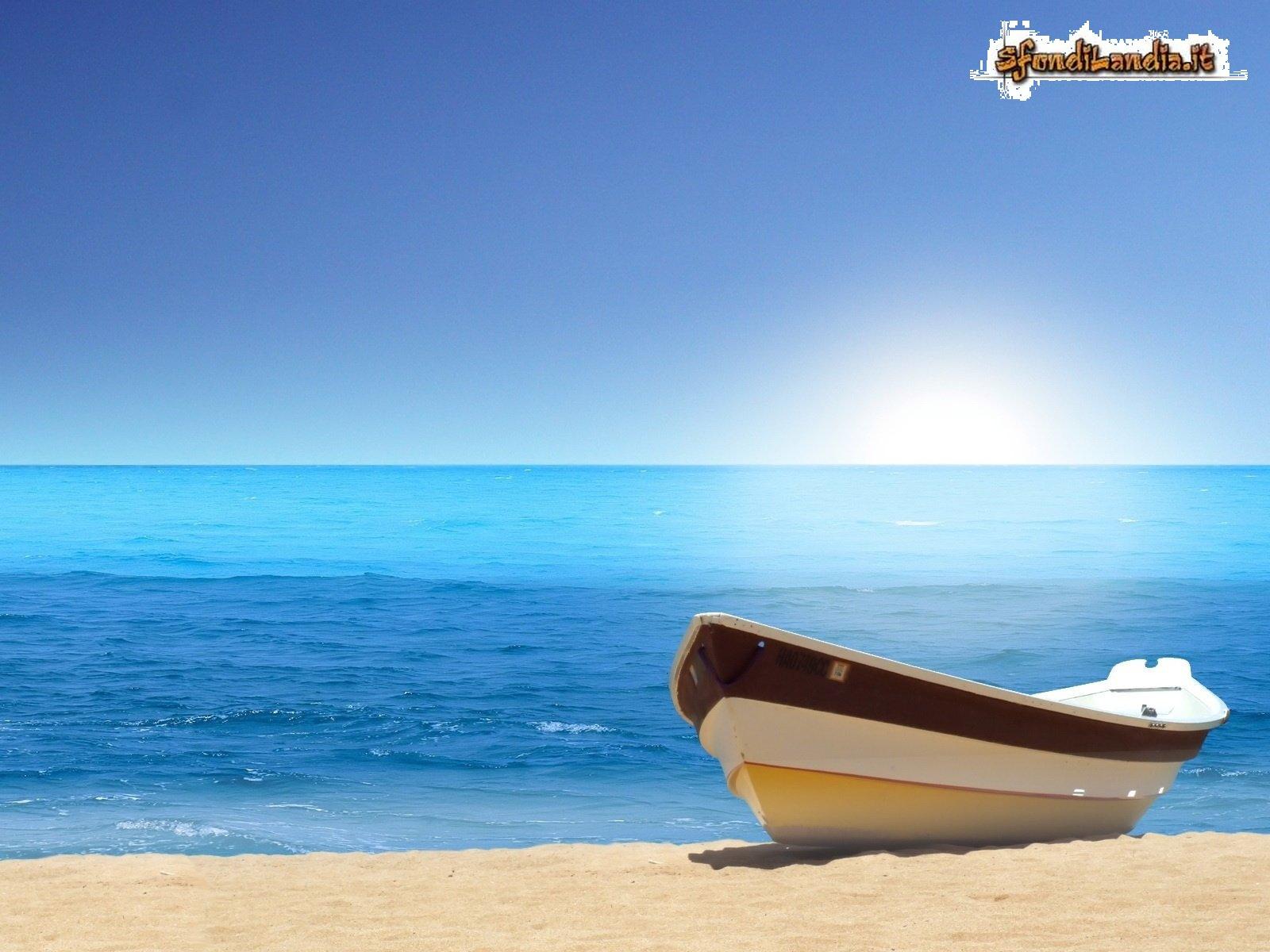 Barca sulla riva
