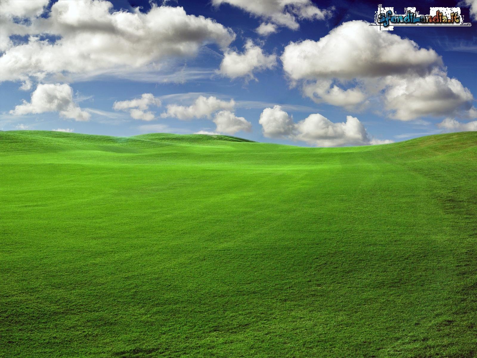 Sfondilandiait Sfondo Gratis Di Prato E Nuvole Per Desktop