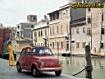 Sfondo: Fiat 500 rossa