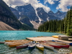 Sfondo: Kayaks In Lake Moraine