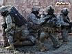 Sfondo: Soldati appostati